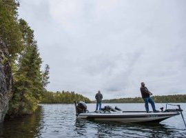Outboard Synthetic 2-Stroke Oil Keeps 1974 Evinrude Running Strong