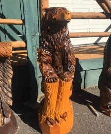 Chainsaw Artist Relies on AMSOIL to Preserve Equipment and Create Works of Art