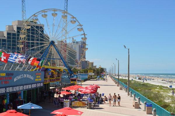 Ferris wheel on Daytona beach
